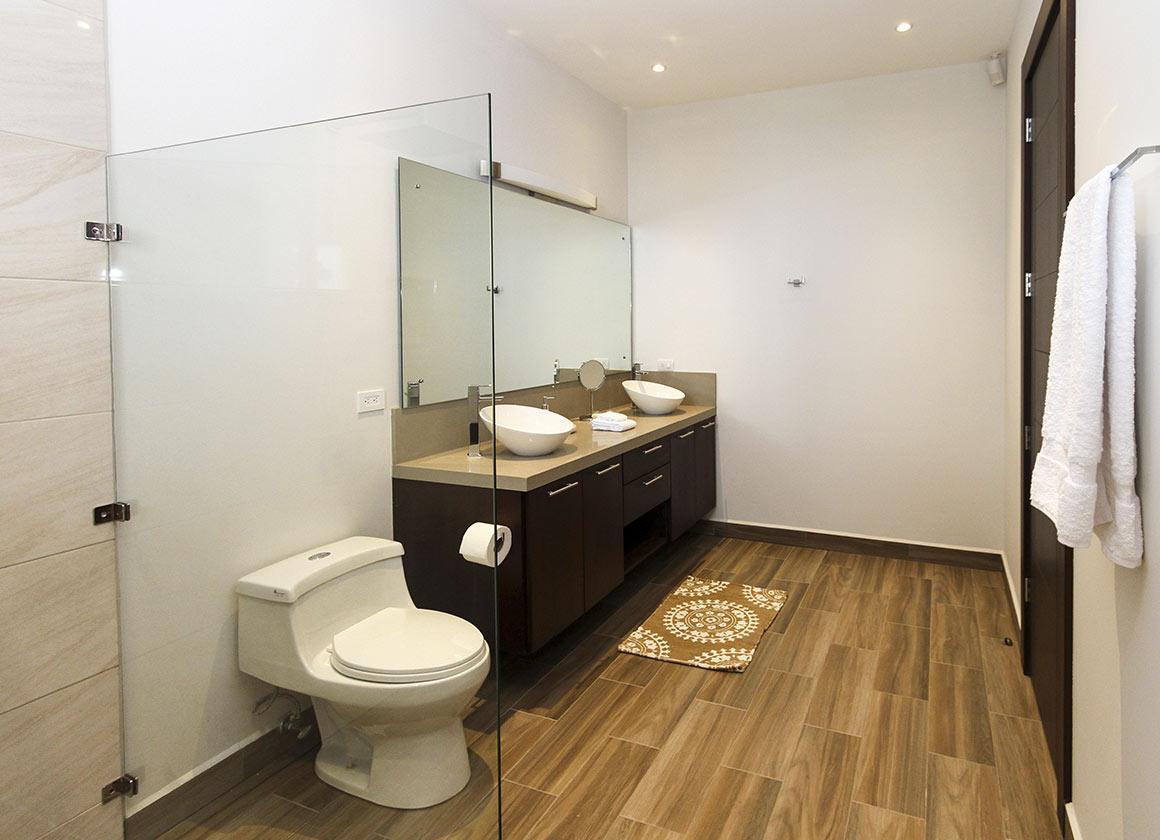 Amazing Queen Suite Bathroom Hacienda Diamante Andrewgaddart Wooden Chair Designs For Living Room Andrewgaddartcom